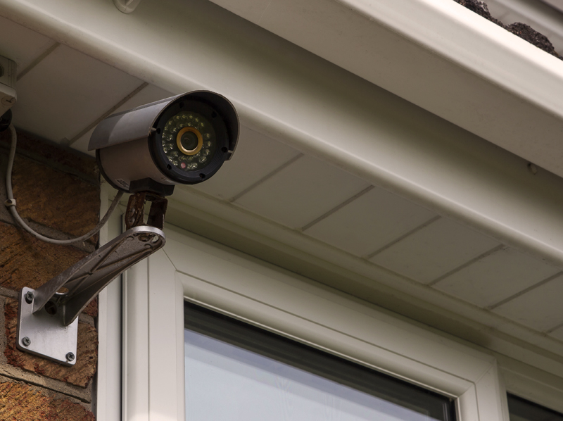 Vaizdo kamerų komplektai pagal individualų poreikį   Dirbame su žinomais pasauliniais gamintojais, galime paruošti Hikvision vaizdo kamerų komplektus, Dahua ir kitų gamintojų apsaugos kamerų komplektus - nuo bazinių modelių iki sudėtingesnių komplektų.  Reikalingas individualus sprendimas? Susisiekite su mumis.  Pagal jūsų poreikius ir finansines galimybes sukursime apsaugos kamerų komplektą, skirtą jūsų konkretaus objekto apsaugai.